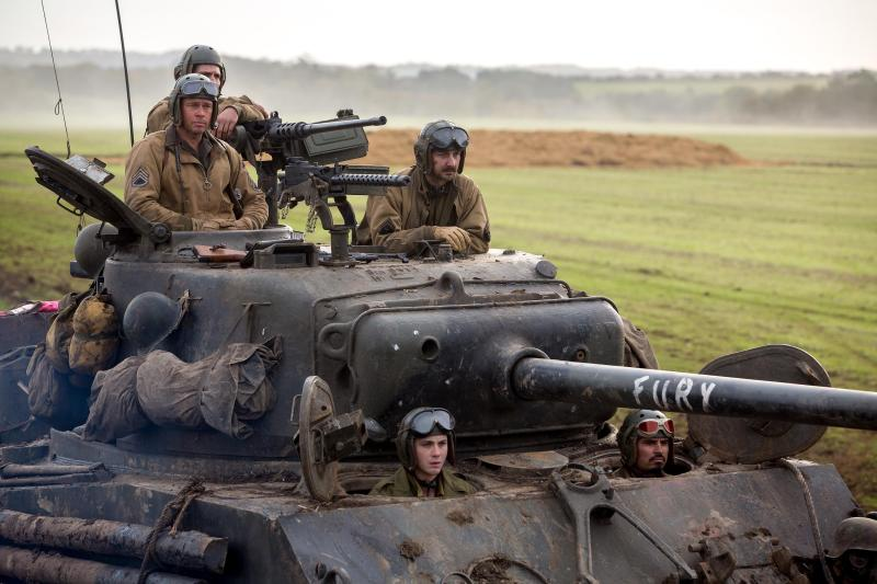 still-of-brad-pitt,-shia-labeouf,-logan-lerman-and-michael-peña-in-fury-(2014)-large-picture